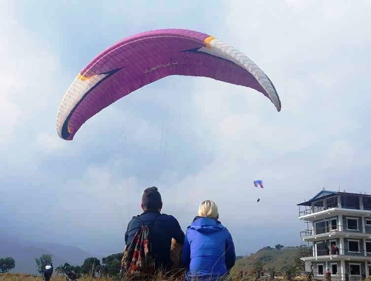 Paragliding in Himalayas